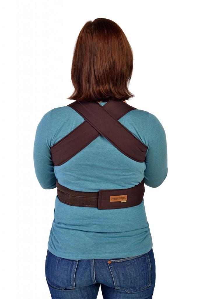 Marsupi von hinten mit gekreuzten Schulterträgern