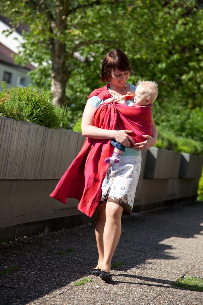 warum tragen - tragen ist gut fürs Baby und praktisch für die Eltern