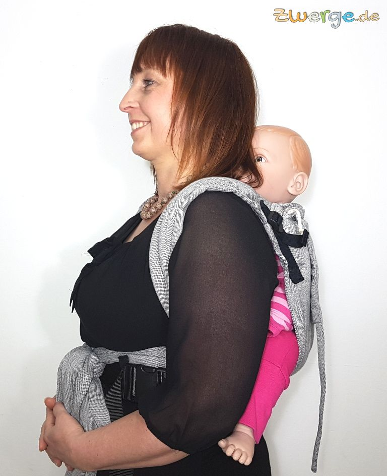 Limas Plus Babytrage als Rückentrage - seitliche Ansicht